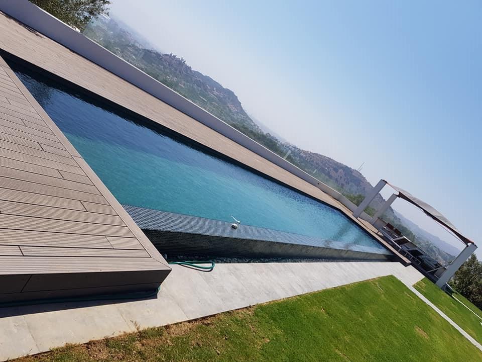 Cabecera piscina construida